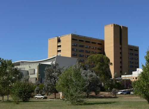 accommodation near canberra hospital